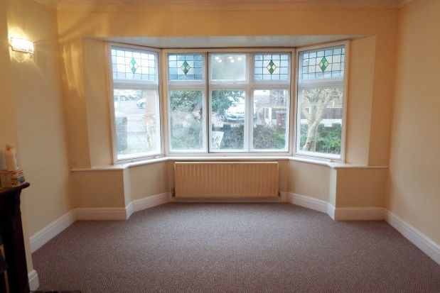Thumbnail Bungalow to rent in Holly Grove, Wolverhampton
