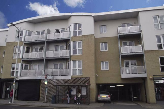 Flat for sale in 461 High Road, Ilford, Essex