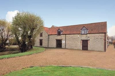 office barn. Office To Let In 2-3 Blotts Barn, Brooks Road, Raunds, Wellingborough Barn