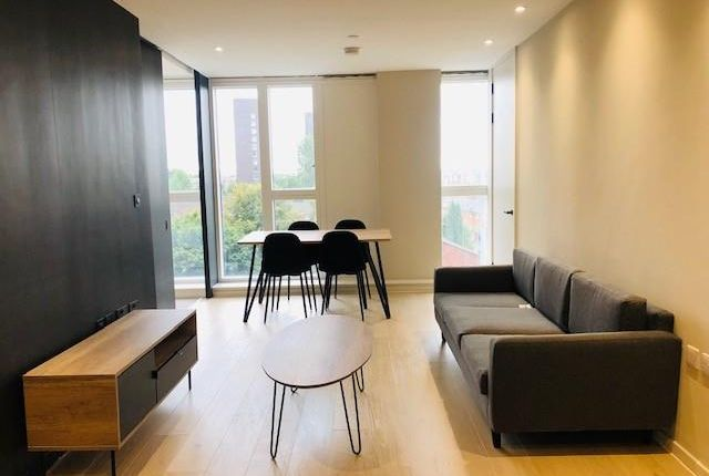 2 bed flat to rent in City Gardens, 3B Spinners Way, Manchester M15
