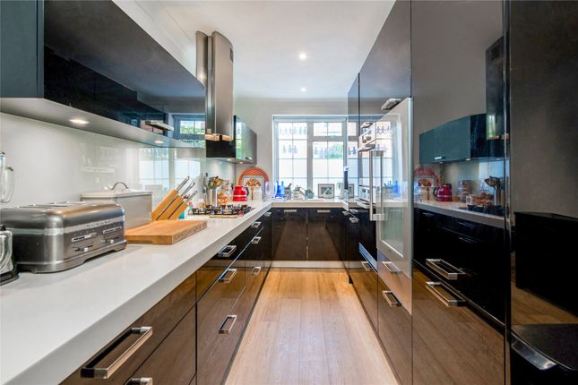 Kitchen of Robert Close, Little Venice, London W9