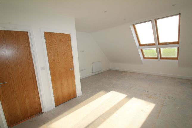 Master Suite of Tivey Road, Sheffield S21