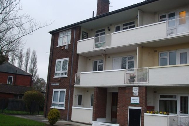 Thumbnail Flat to rent in Victoria Road, Salford