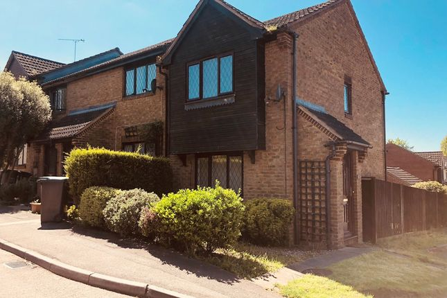 Thumbnail Semi-detached house for sale in Tylersfield, Abbots Langley