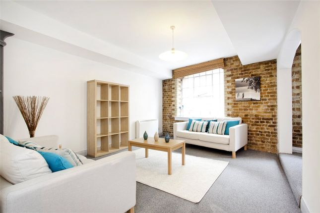 Living Area of Dundee Court, 73 Wapping High Street, London E1W