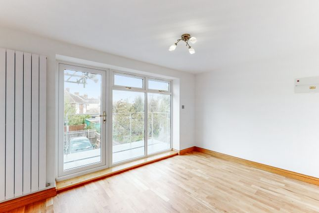 1 bed town house for sale in Hanworth Road, Hounslow TW3