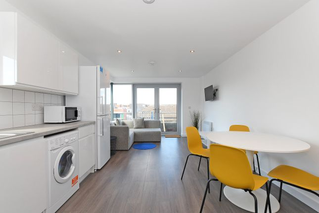 Thumbnail Flat to rent in Apt 10, Belgravia House 2 Rockingham Lane, Sheffield