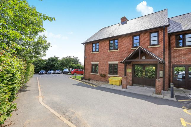 Flat for sale in School Road, Wheaton Aston, Stafford