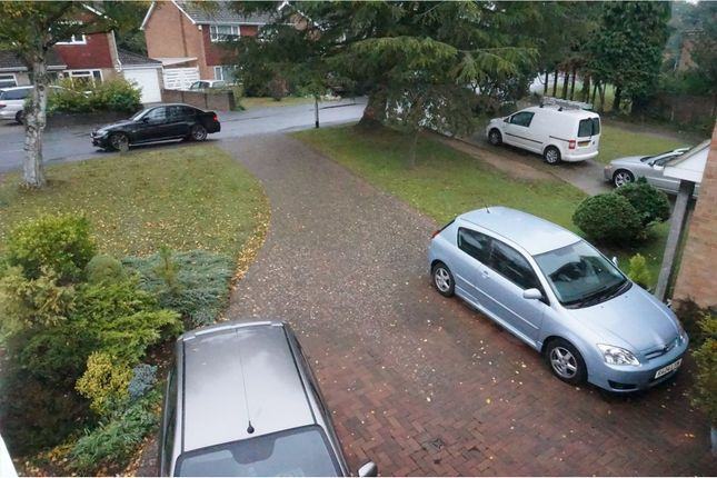 Off Road Parking of Woodlands Road, Aylesford ME20