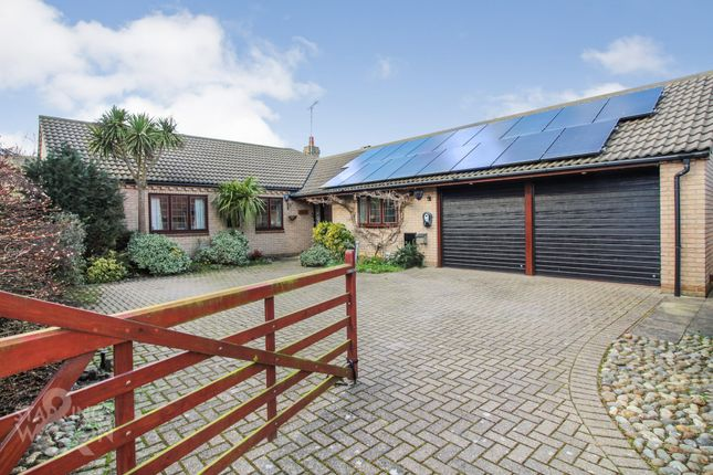 3 bed detached bungalow for sale in Wiggs Acre, Barnby, Beccles NR34