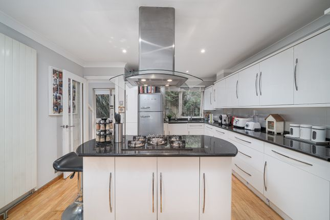 Thumbnail Town house for sale in Maltings Place, London