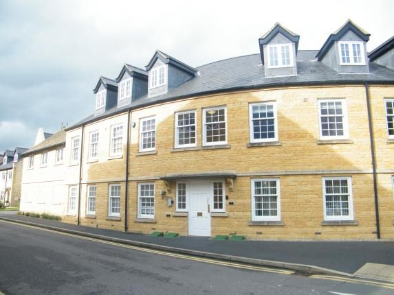 Thumbnail Flat for sale in Gordon Close, Broadway, Worcestershire