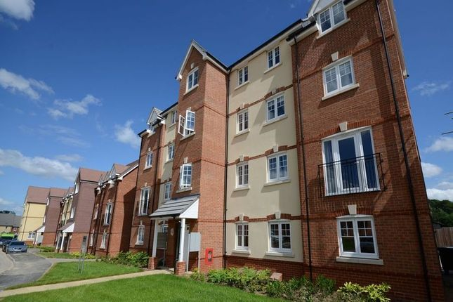 Thumbnail Flat to rent in Garstons Way, Holybourne, Alton