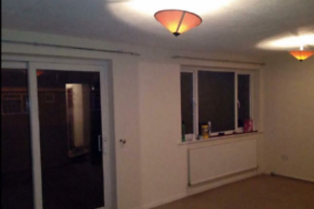 Thumbnail Flat to rent in Kingsway, Caversham, Reading