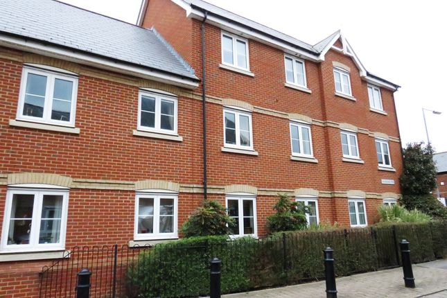 Thumbnail Flat for sale in Harberd Tye, Chelmsford