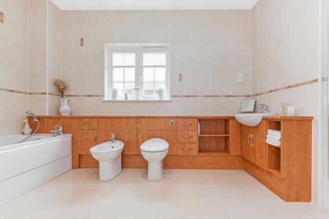 Bathroom of Bowmore Crescent, Thorntonhall, South Lanarkshire G74