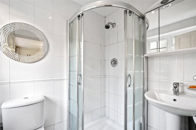 En Suite of Beech Close Court, Cobham KT11