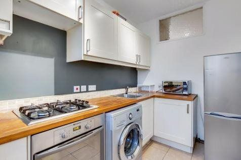 1 bed flat to rent in Parkside, London SW19
