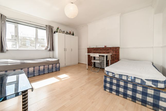 Thumbnail Flat to rent in Sutherland Square, London