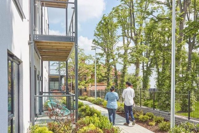 Thumbnail Flat for sale in Hemington Apartment At Kings Park, 1A St Clements Avenue, Harold Wood, Romford, Essex