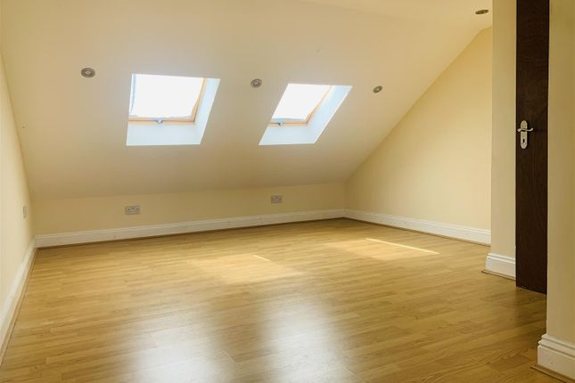 Thumbnail Property to rent in Lowden Road, London