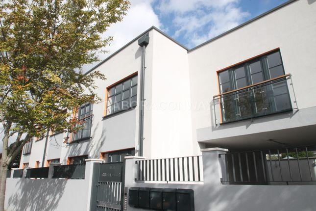Thumbnail Flat to rent in Youngs Road, Ilford