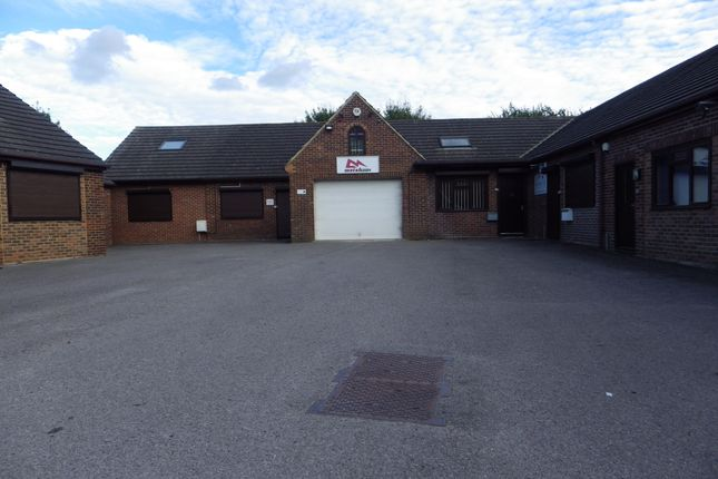 Thumbnail Office to let in Crumplins Business Court, Odiham