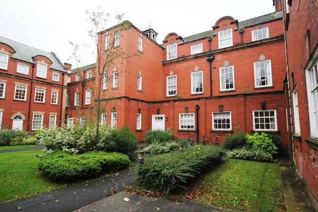2 bed flat to rent in Springhill Court, Wavertree, Liverpool, Merseyside L15