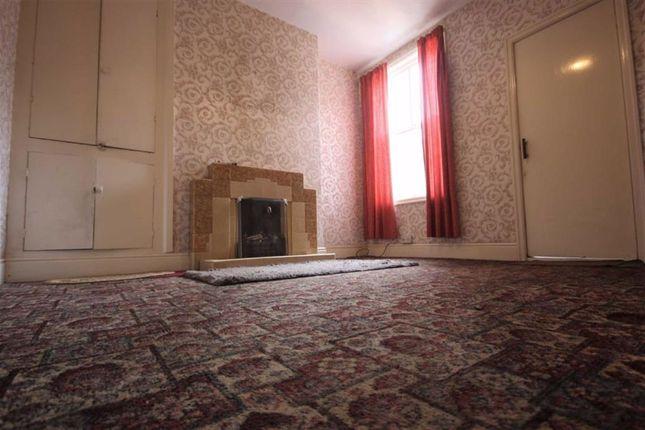 Dining Room of Rosmead Villas, Rosmead Street, Hull HU9