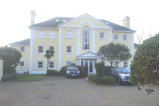 Thumbnail Flat to rent in La Rue Horman, Grouville, Jersey