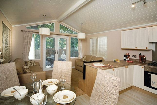 2 bed detached bungalow for sale in Barlings Lane, Langworth, Lincoln