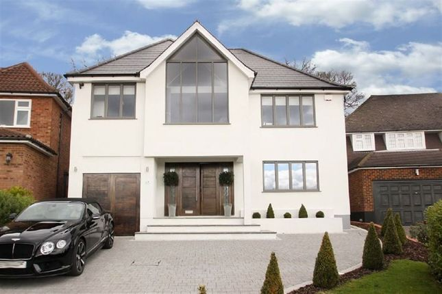Thumbnail Detached house to rent in Broadstrood, Loughton