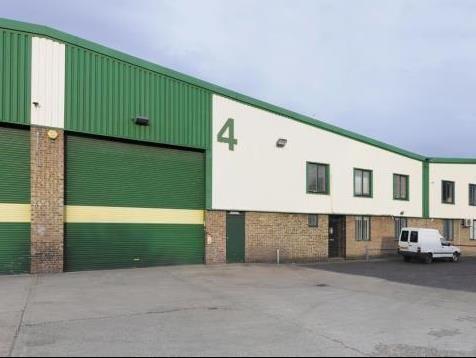 Thumbnail Warehouse to let in Unit 4, Fleming Way Trading Estate, Fleming Way, Isleworth