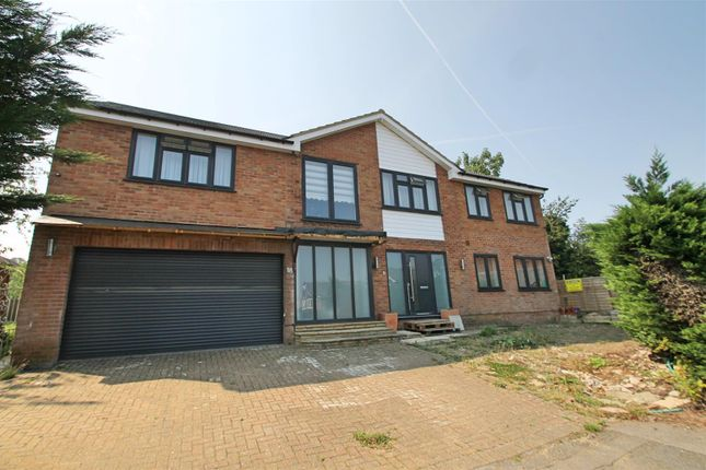 Thumbnail Detached house for sale in Albany Close, Bushey