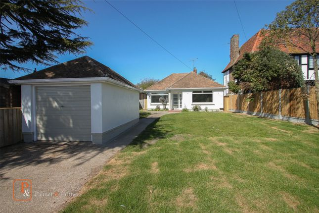 Thumbnail Bungalow to rent in Kings Road, Clacton On Sea
