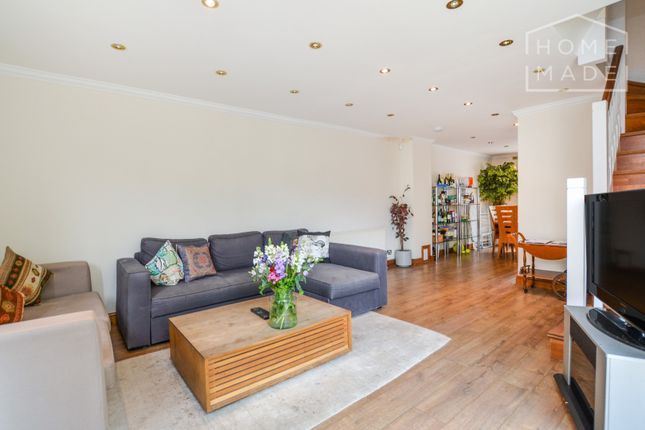 Thumbnail Terraced house to rent in Essex Road, Islington