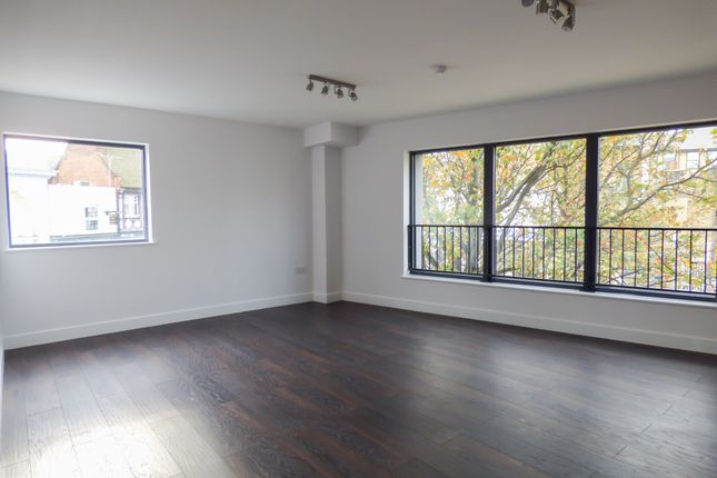 Thumbnail Flat for sale in Flat 1, 45 New Road, Gravesend