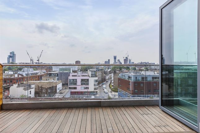 Thumbnail Flat to rent in Keppel Row, London