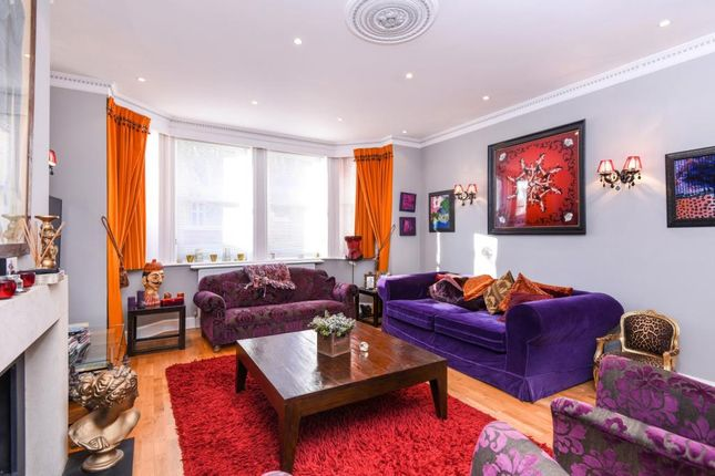 Thumbnail Flat for sale in Chesterford Gardens, Hampstead NW3,