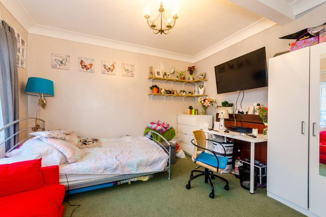 Thumbnail Terraced house for sale in Pelham Road, Wood Green