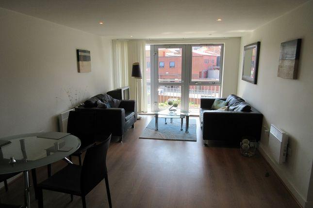 2 bed flat to rent in Quartz, Hall Street, Birmingham