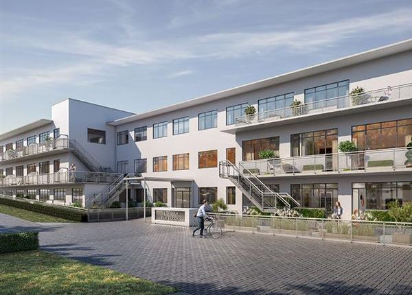 Thumbnail Flat to rent in Denham Film Studios