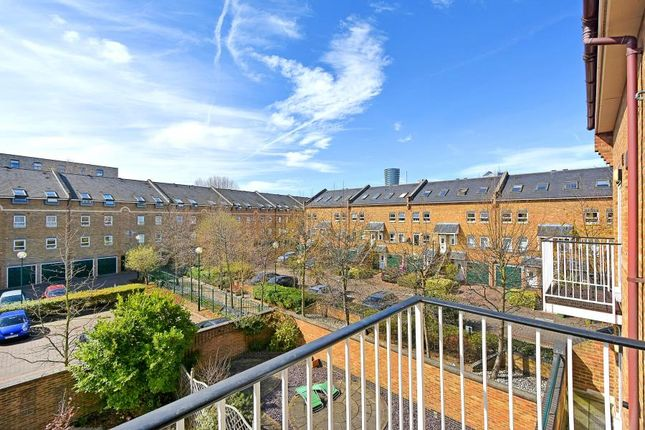 2 bed flat for sale in Schooner Close, London