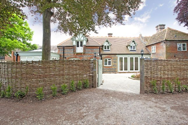 Thumbnail Property to rent in Rookery Court, Marlow