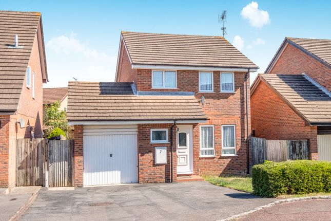 Thumbnail Detached house to rent in Frieth Close, Earley, Reading