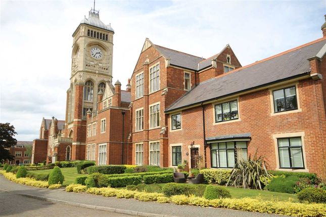 Thumbnail Flat for sale in Jfk House, Royal Connaught Park, Bushey WD23.