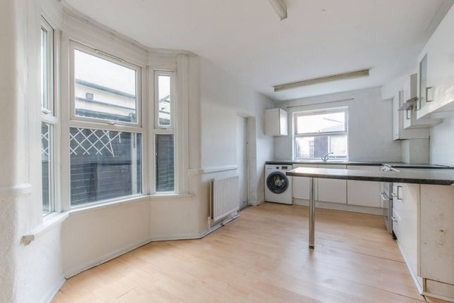 Thumbnail Terraced house to rent in Woolwich Road, Greenwich