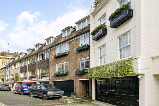 Maisonette for sale in Eaton Row, London