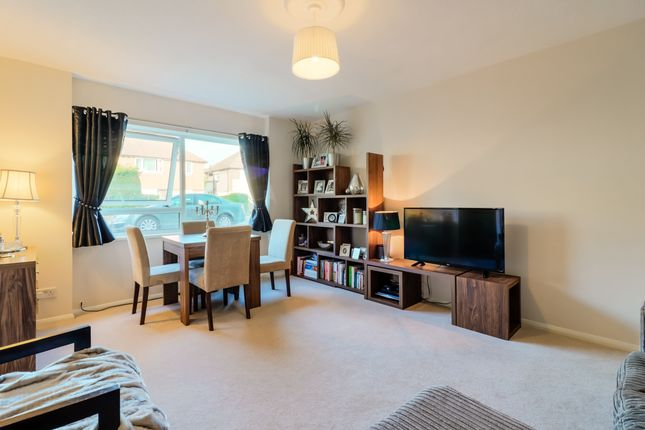 Thumbnail Flat for sale in Dryden Close, Ilford