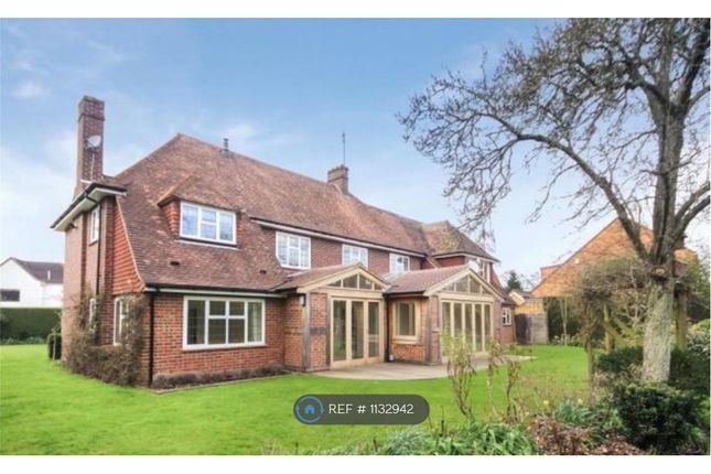 Thumbnail Detached house to rent in Oval Way, Gerrards Cross